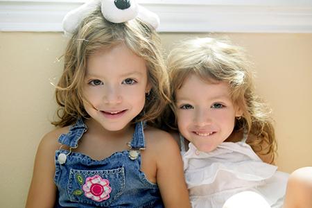 最新双胞胎女儿名字大全